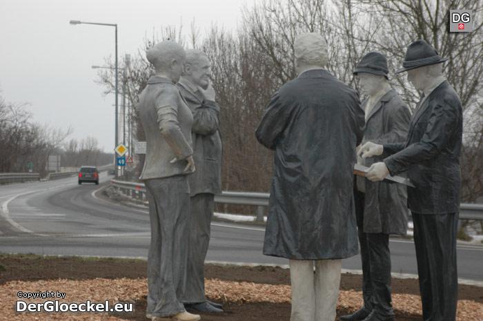 Enthüllung eines Kunstobjektes bei der umbenannten Donaubrücke in Hainburg