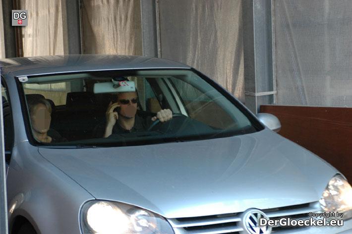 Umfrage – telefonieren beim Autofahren