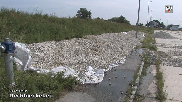 Hochwasser – Sicherungen am Damm bei der Staatsgrenze zu Slowakei notwendig
