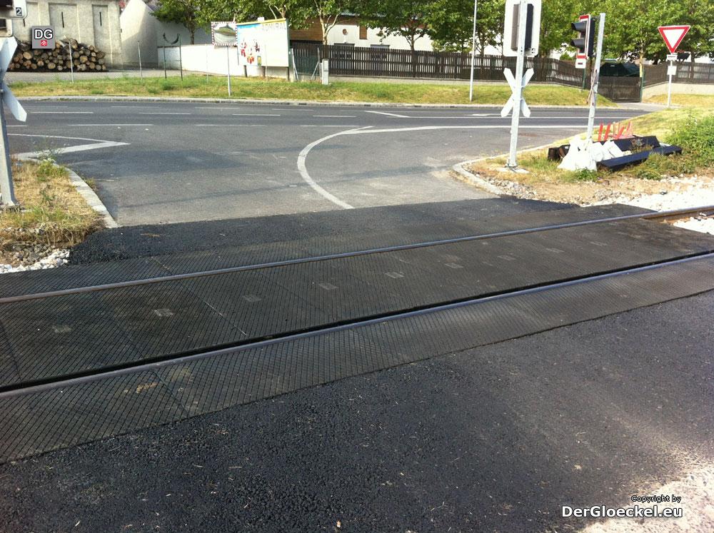 Abgeschlossene Sanierung des Bahnüberganges durch die ÖBB | Foto: DerGloeckel.eu