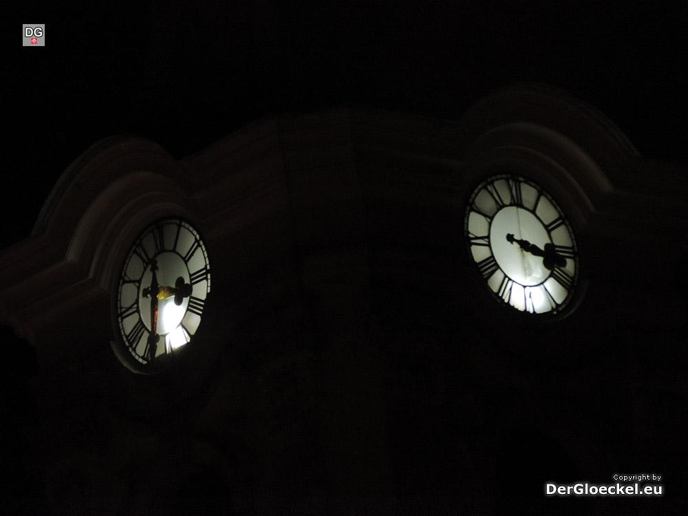 Dem Glücklichen schlägt keine Stunde – ein Uhrzeiger fehlt