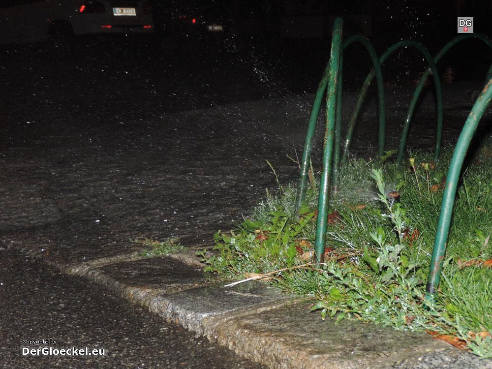 Wasservergeudung in Hainburg | Foto: DerGloeckel.eu