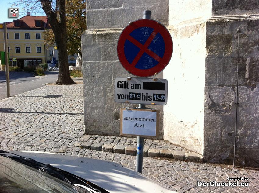 Wieso bekommt ein 70-jähriger Arzt einen privaten Parkplatz?
