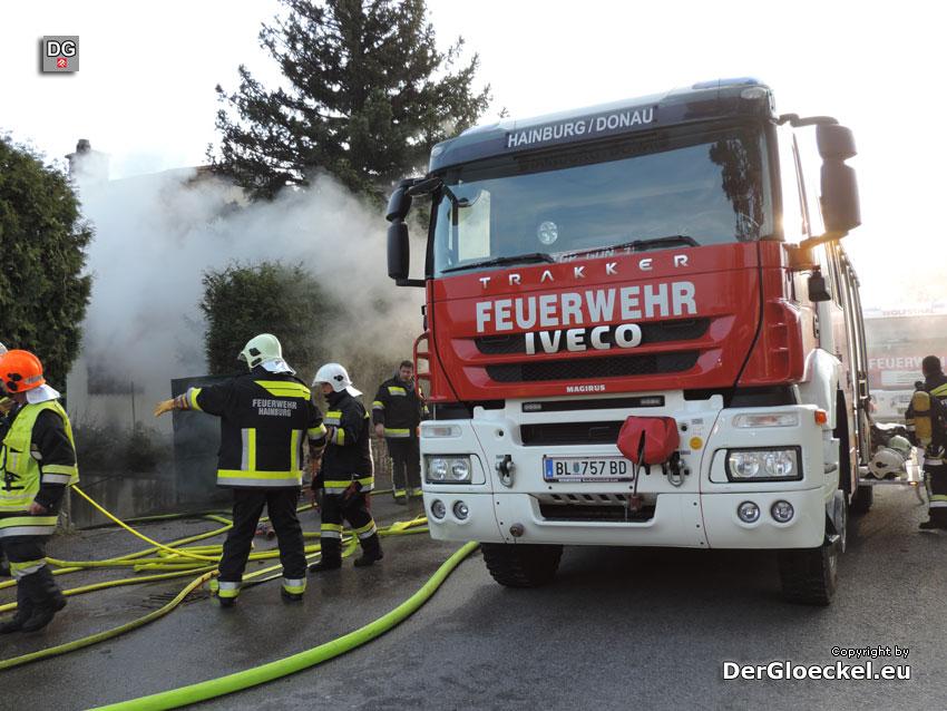 Verletzter durch Wohnhausbrand in Hainburg