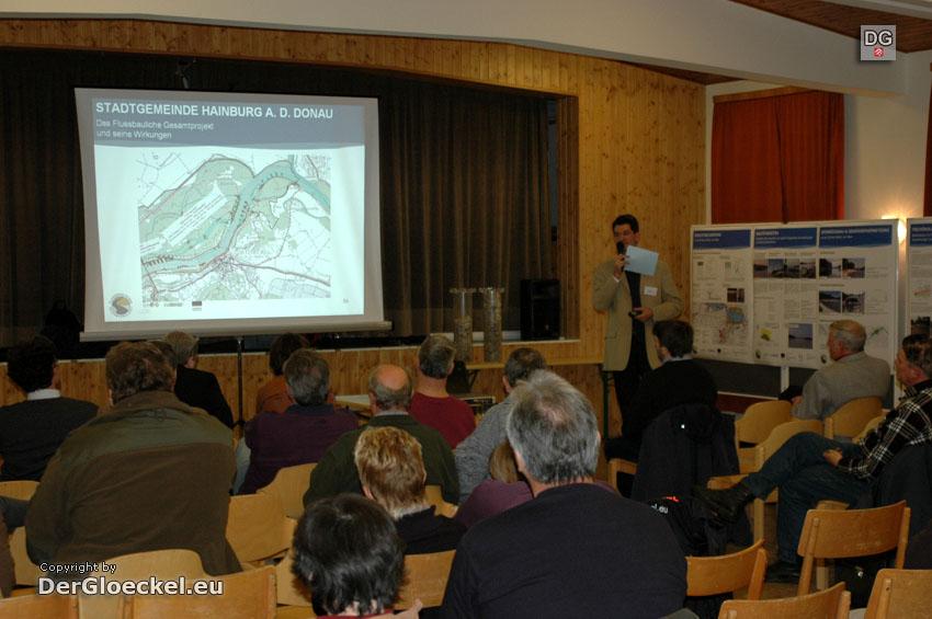 Bürgerversammlung - Flussbauliches Gesamtprojekt 16.11.2007 in Hainburg | Foto: DerGloeckel.eu